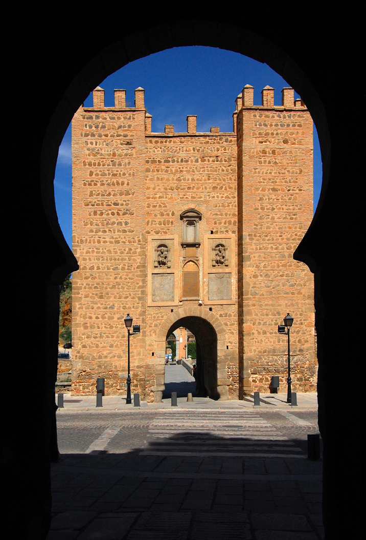 Puerta del sol toledo spain by estudiosideasoez on for Puerta de sol