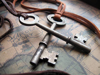 Skeleton Key Necklace by candycrack