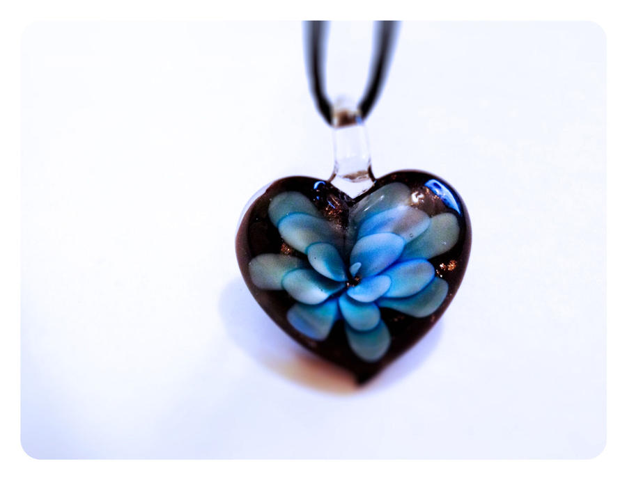 Briar heart bloom blue murano glass pendant neckla by xzdollfacexz mozeypictures Choice Image