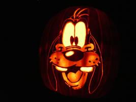Goofy on a pumpkin by kenklinker