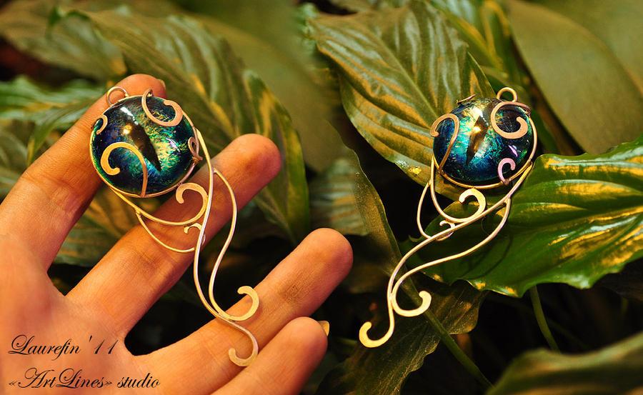 Blue cat's eye - patterned pendant by Laurefin-Estelinion