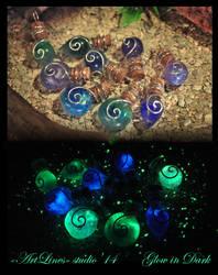 Space in the bottles - glow in the dark by Laurefin-Estelinion