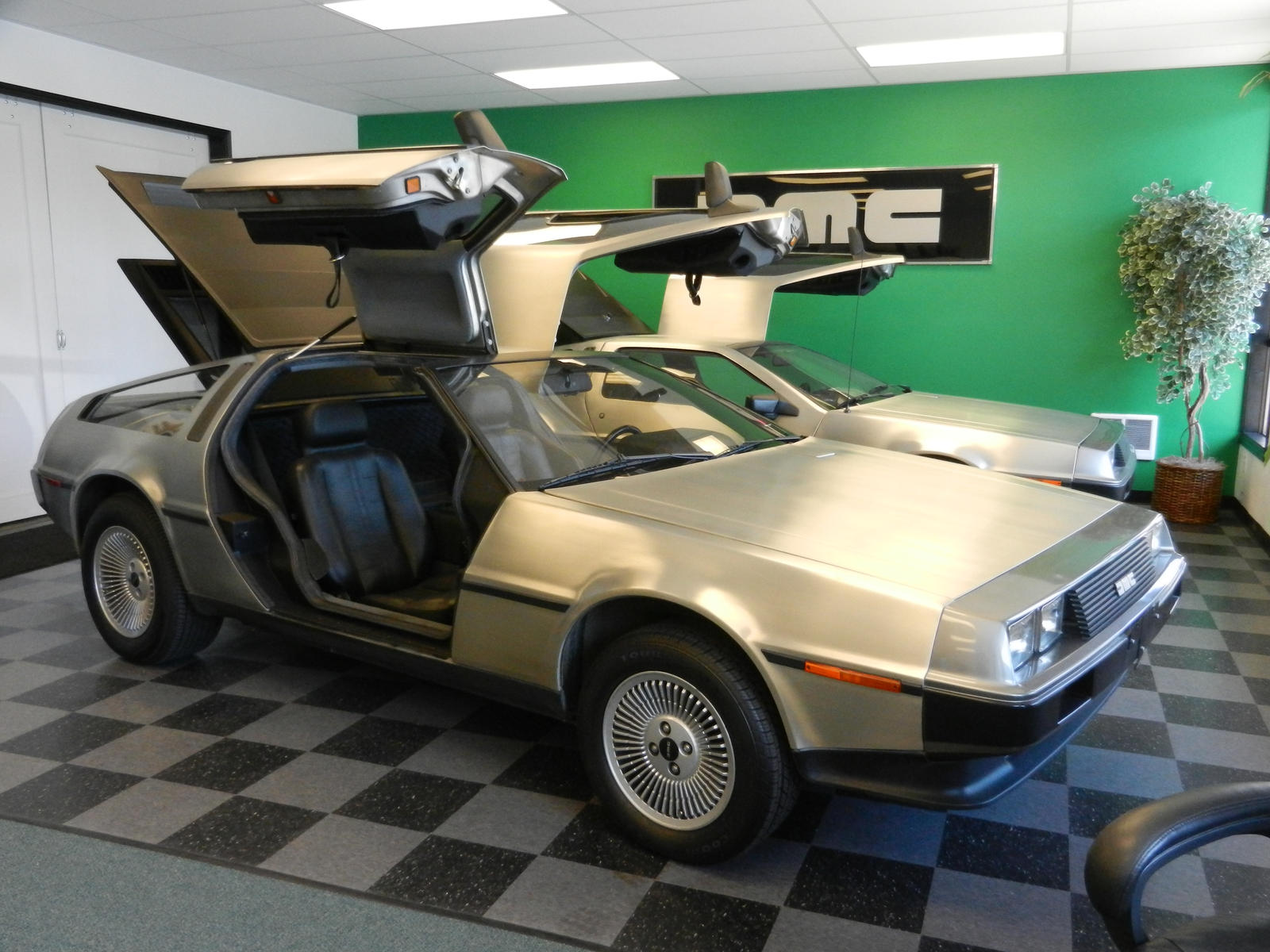 delorean motor company 1 by olimar666 on deviantart. Black Bedroom Furniture Sets. Home Design Ideas