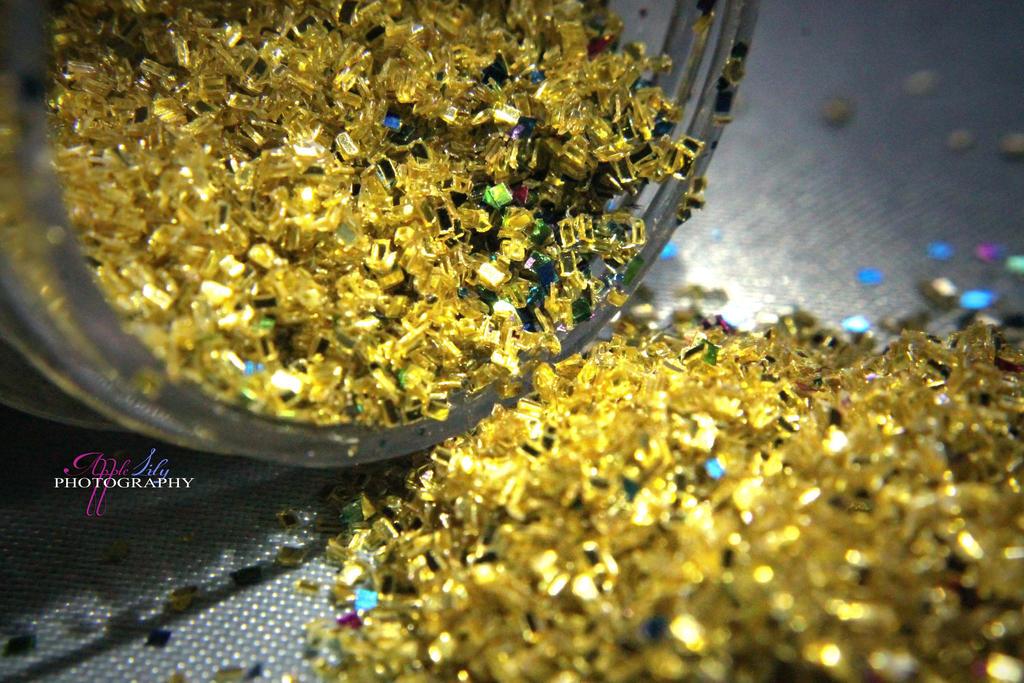 Glitter Dust by AppleLily
