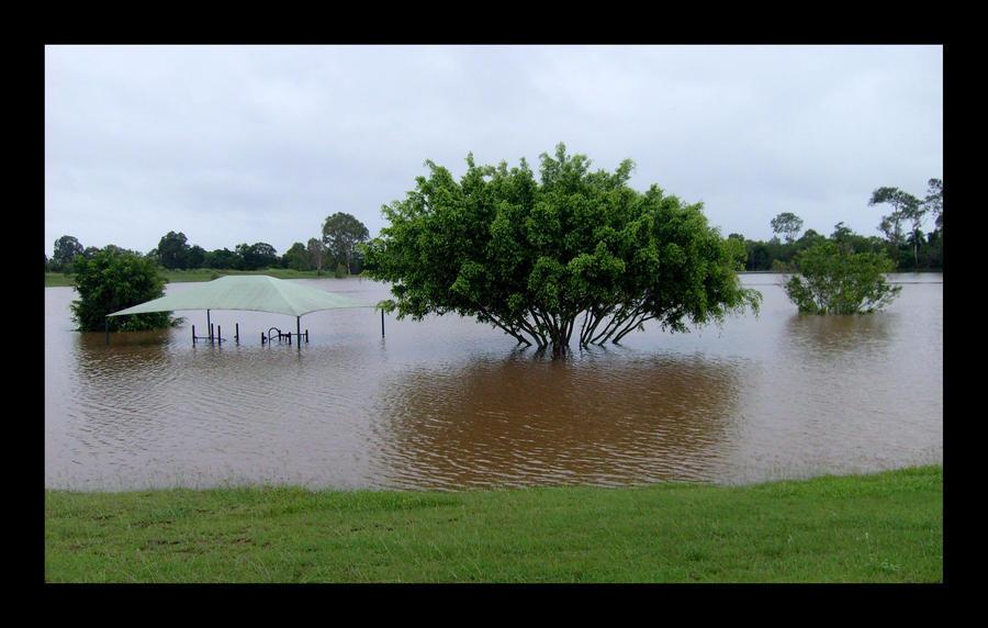 Bundy Flood - 29th Dec 2010 by PoizonMyst