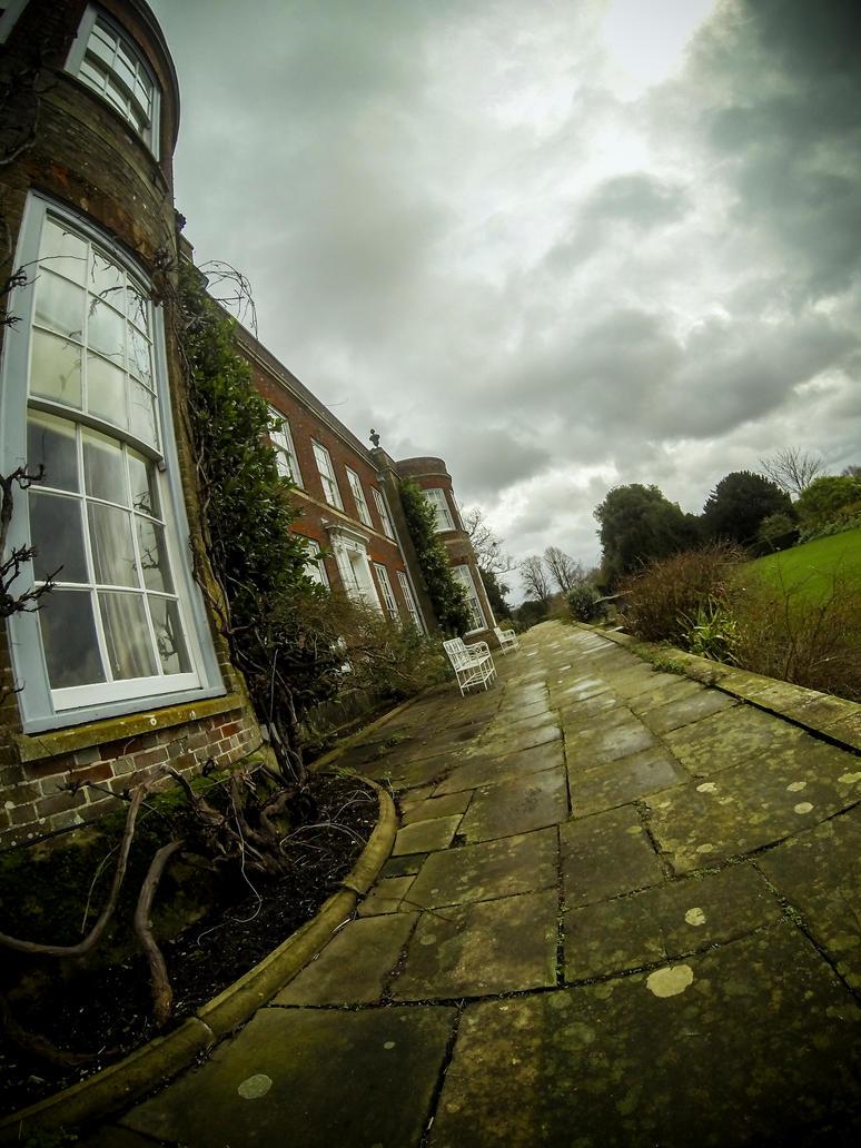 Hinton Ampner - National Trust by cheechwizard