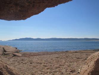 Under a rock by Qavvikk