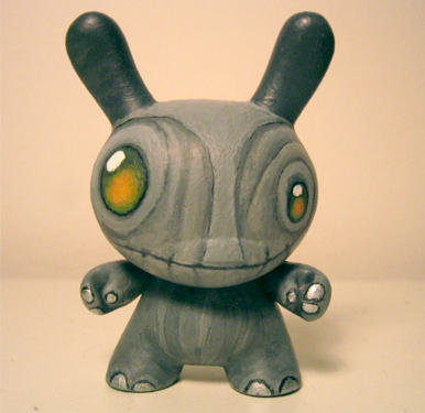 Happy Gnome Dunny 2 by zombieduck
