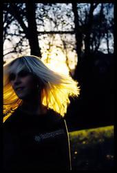 the hair of the sun by iCEbLuEorBiTz