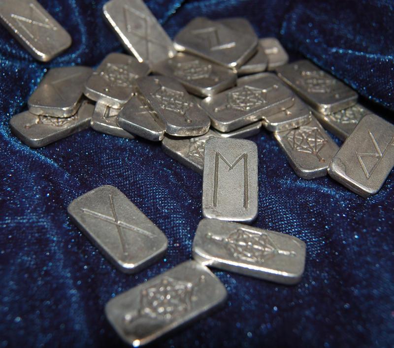 Silver runes by karenishra