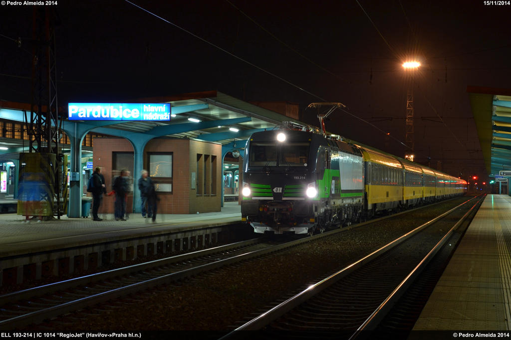 ELL 193-214 IC1014 Pardubice hln 15-11-14 by Comboio-Bolt