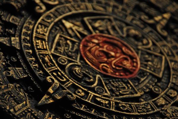 Aztec calendar by PurplePoisonDust