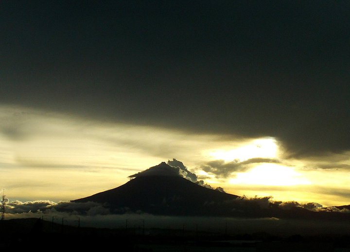popocatepetl by ozzze
