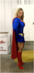 SUPERGIRL PAPARAZZI PIC by SuperGirlStrength