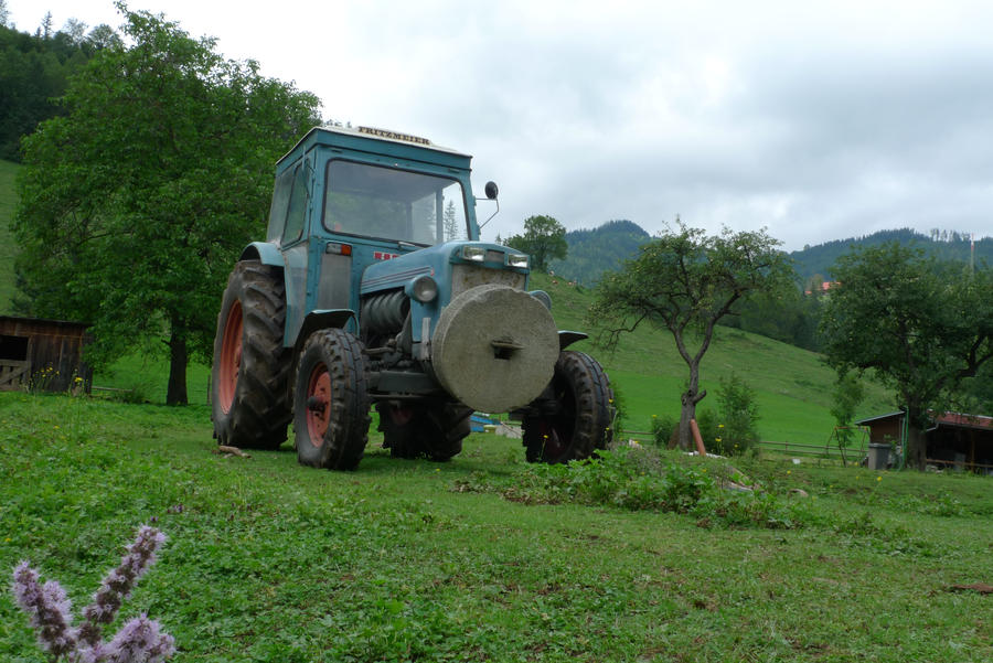 tractor by Kopfinger