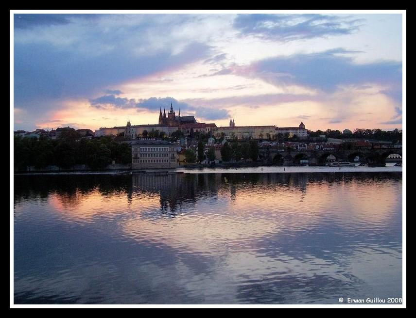 Prague: Ambiance du soir by erwanbreizh