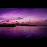 Violet Sunset by HenrirneH