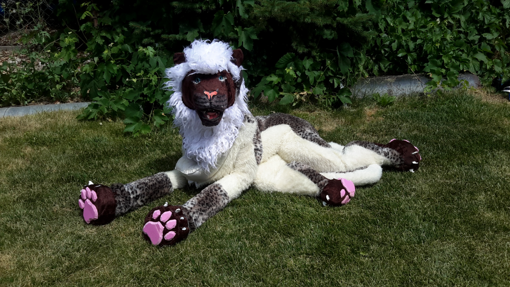 toffee_the_maned_leopard_quadsuit__5_by_okami_wildclaw-d8z6s7l.png