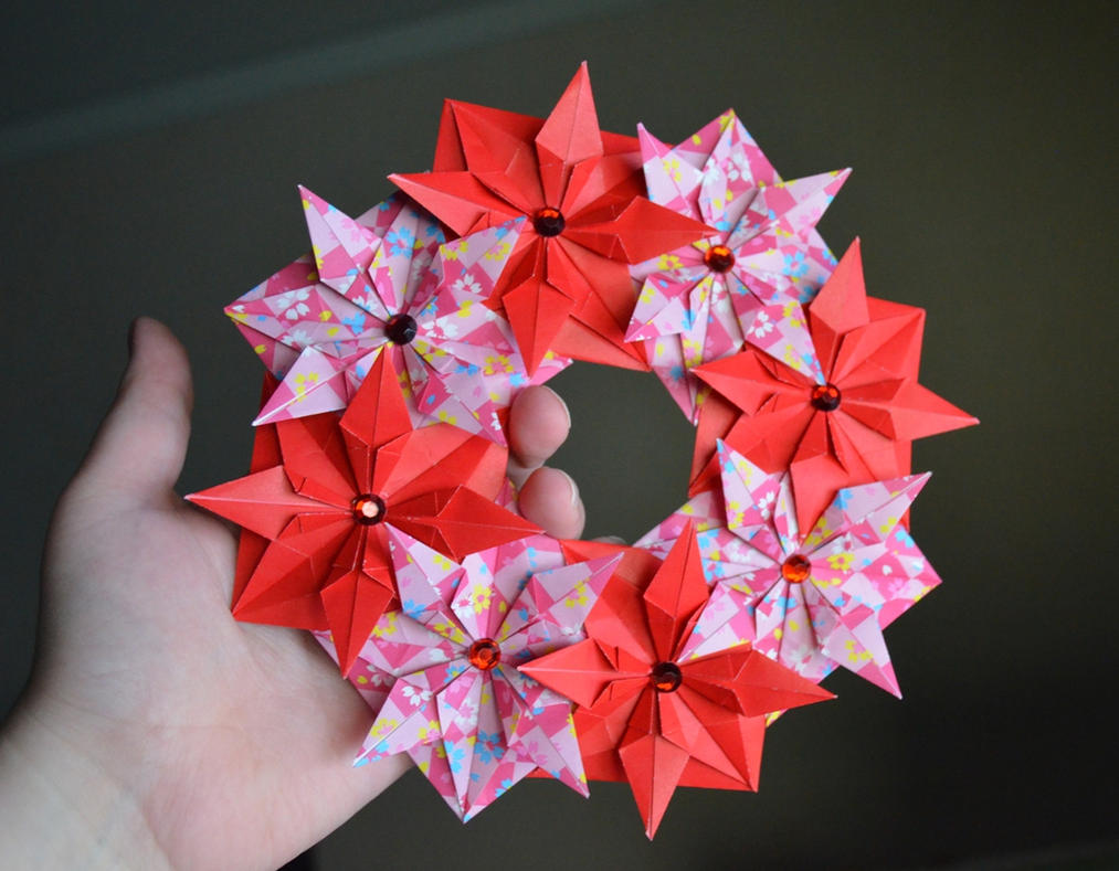 Modular Origami Christmas Wreath by Denierim on DeviantArt
