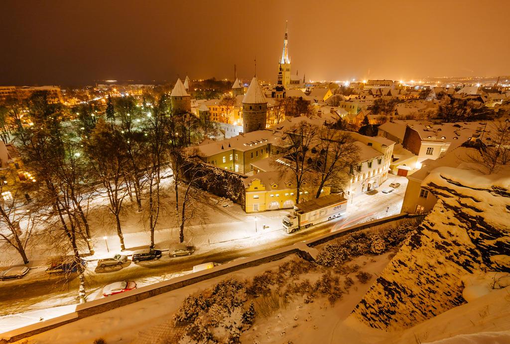 tallinn old town by dzorma
