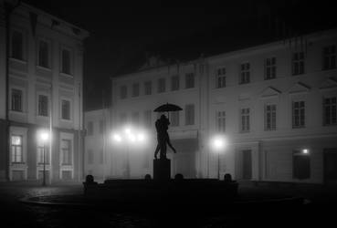 tartu town hall square on a foggy night