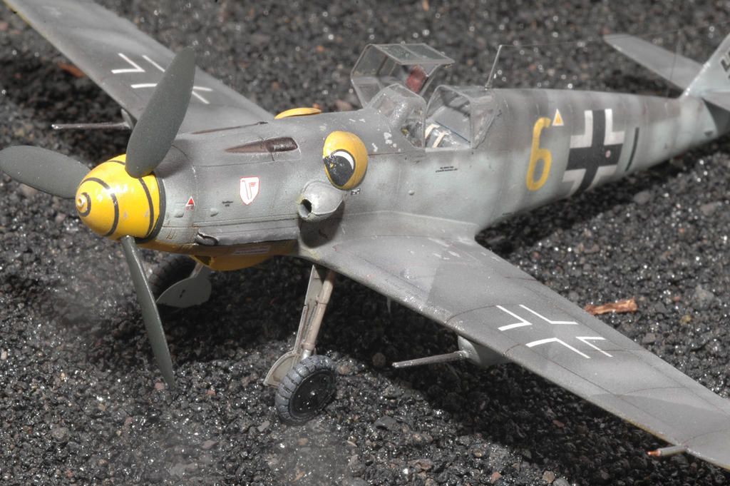 1/72 Bf 109 G6 Hasegawa 9./JG3 Surau by Pyranose on DeviantArt