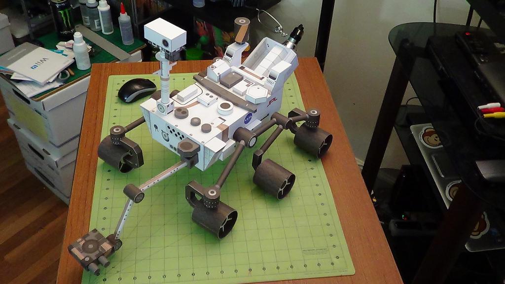 Curiosity Rover Papercraft (8) by devastator006 on DeviantArt