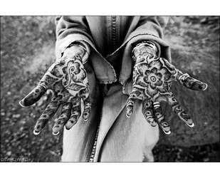 hands of henna by sublimeone