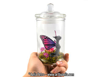Snap Dragonet Jar with Purple Ombre Monarch Dragon by Chaotica-I