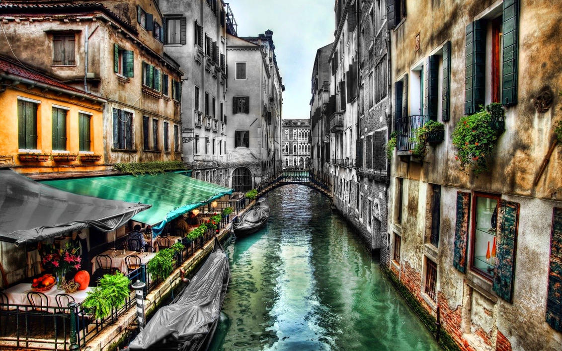 Venice canal by MeGustaDeviantart