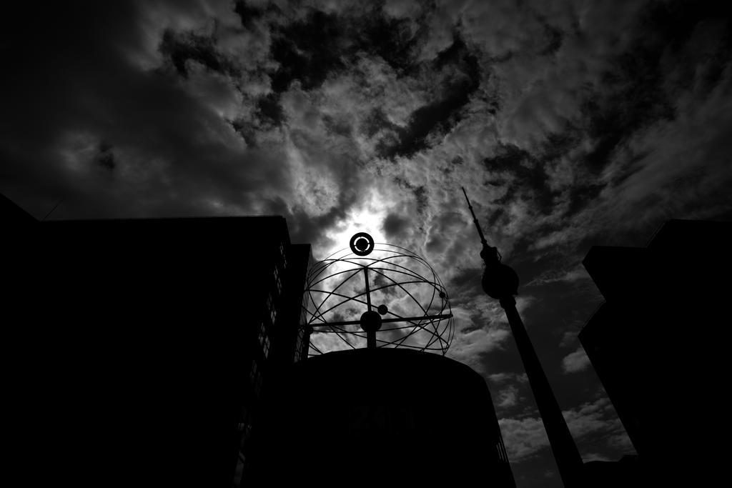 Silhouette by MeGustaDeviantart