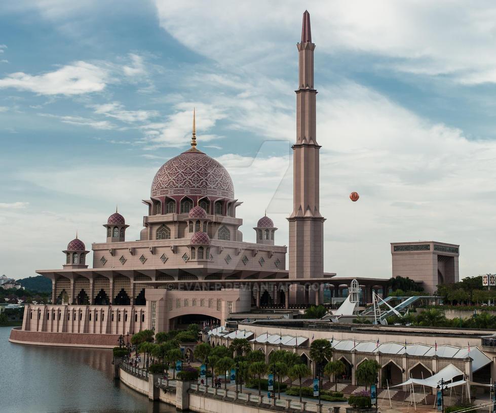Putra Mosque, Putrajaya by evan-p