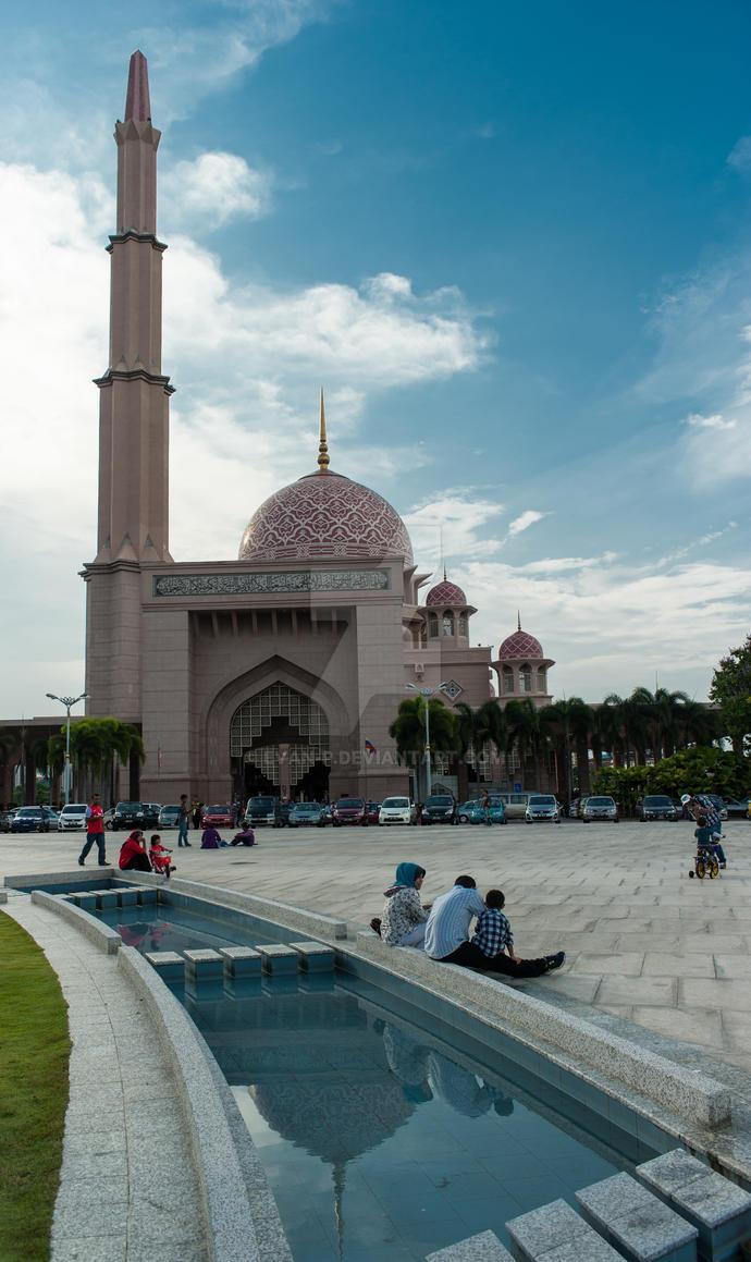 Putra Mosque, Putrajaya - 2 by evan-p