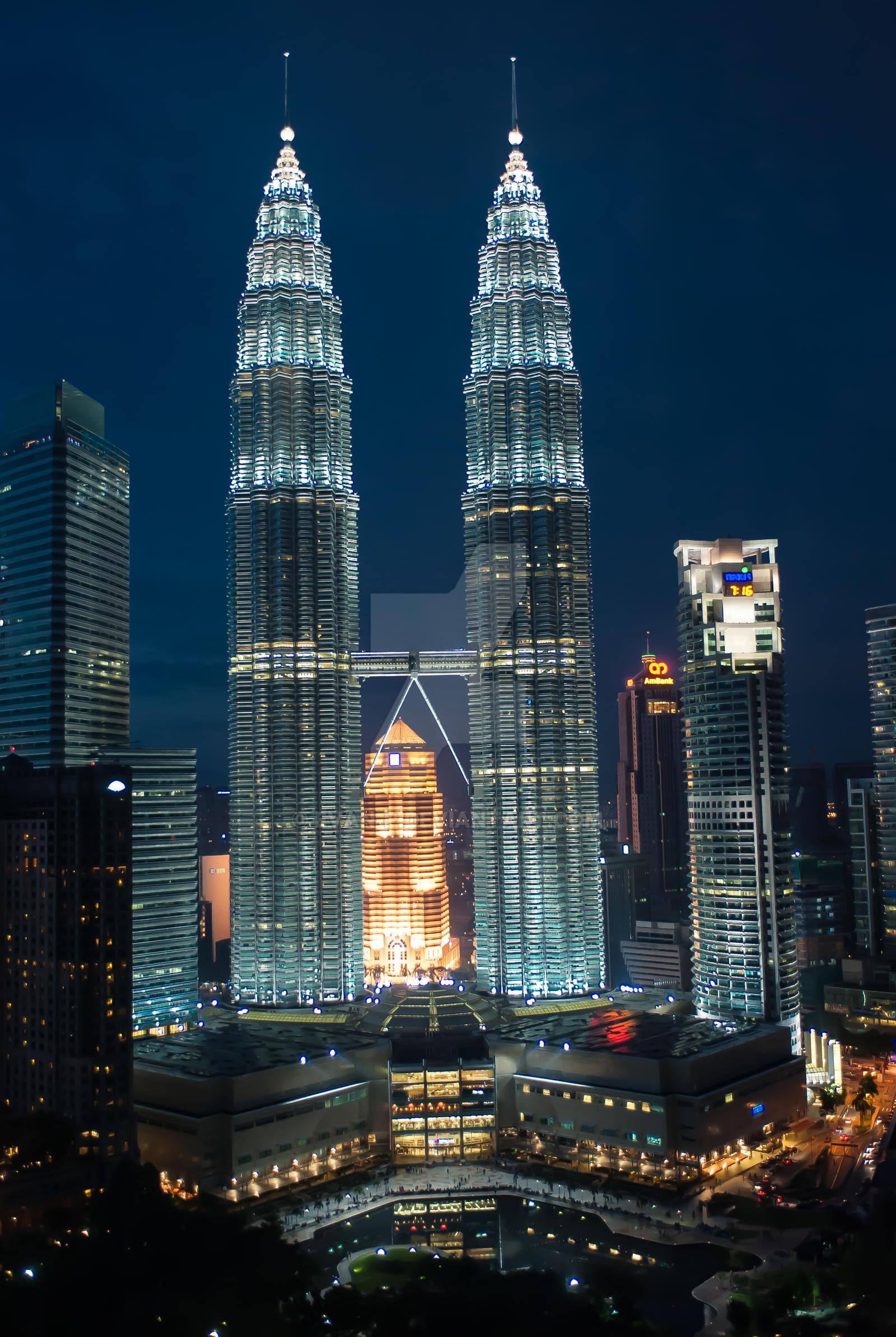Petronas Tower, Kuala Lumpur by evan-p
