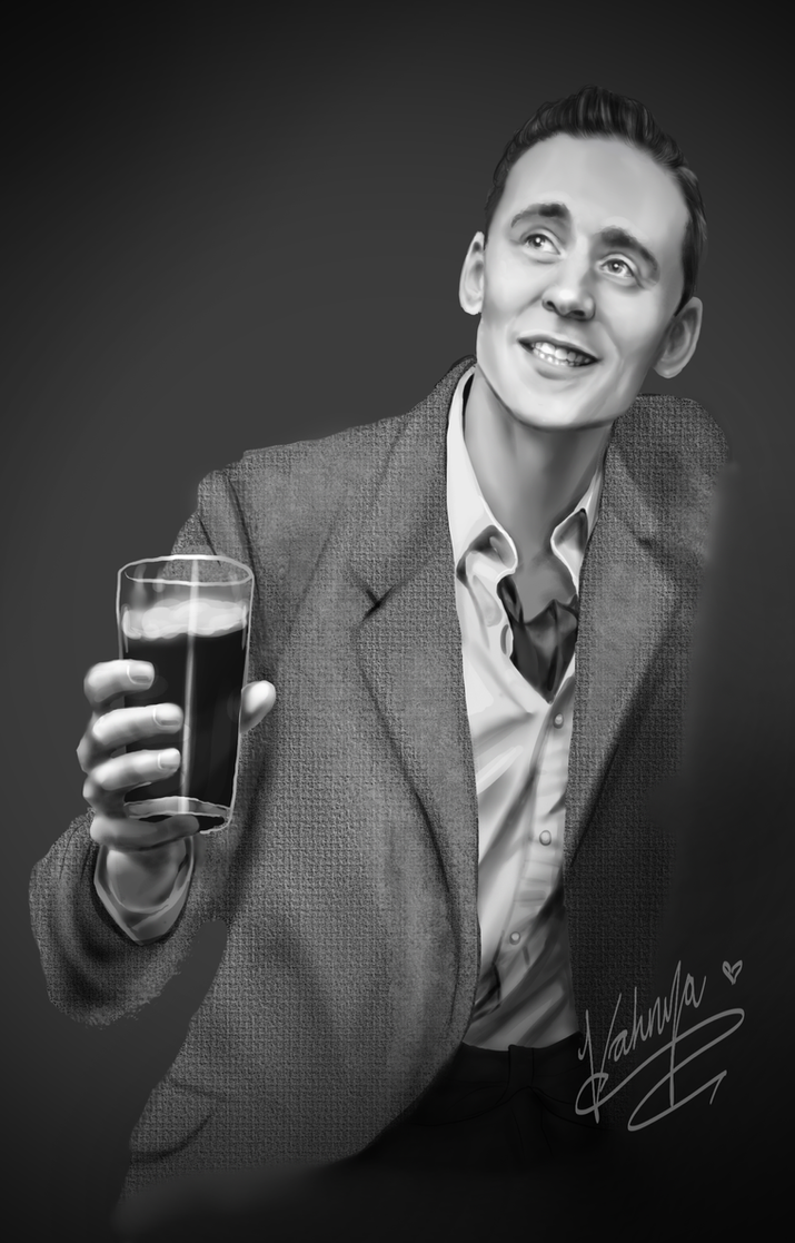 Hiddleston in Grey by Samoubica