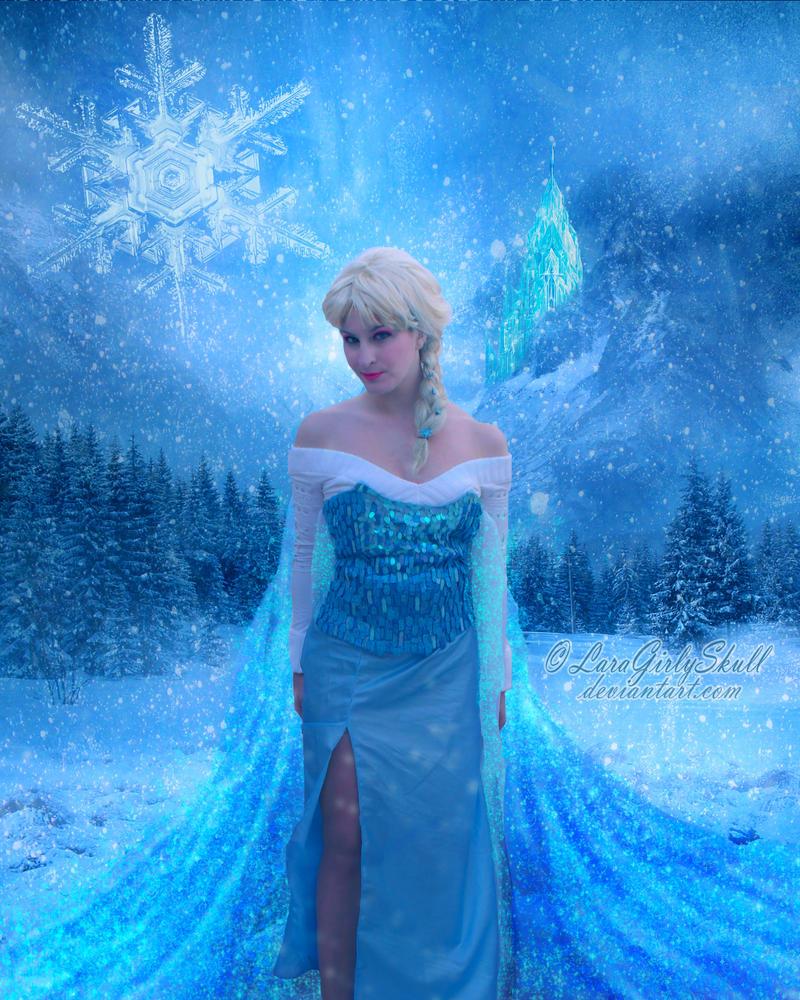 Queen Elsa - Cosplay by LaraGirlySkull