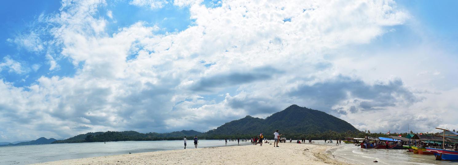 Little Pahawang Island by Vusiuz