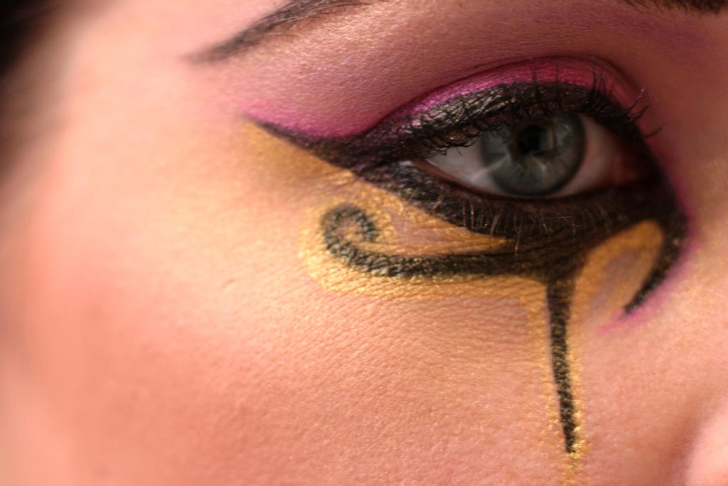 egyptian eye by gothblack