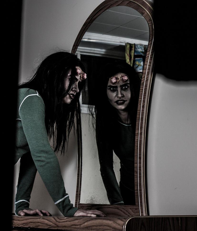 Demon Mirror by sombrestyles