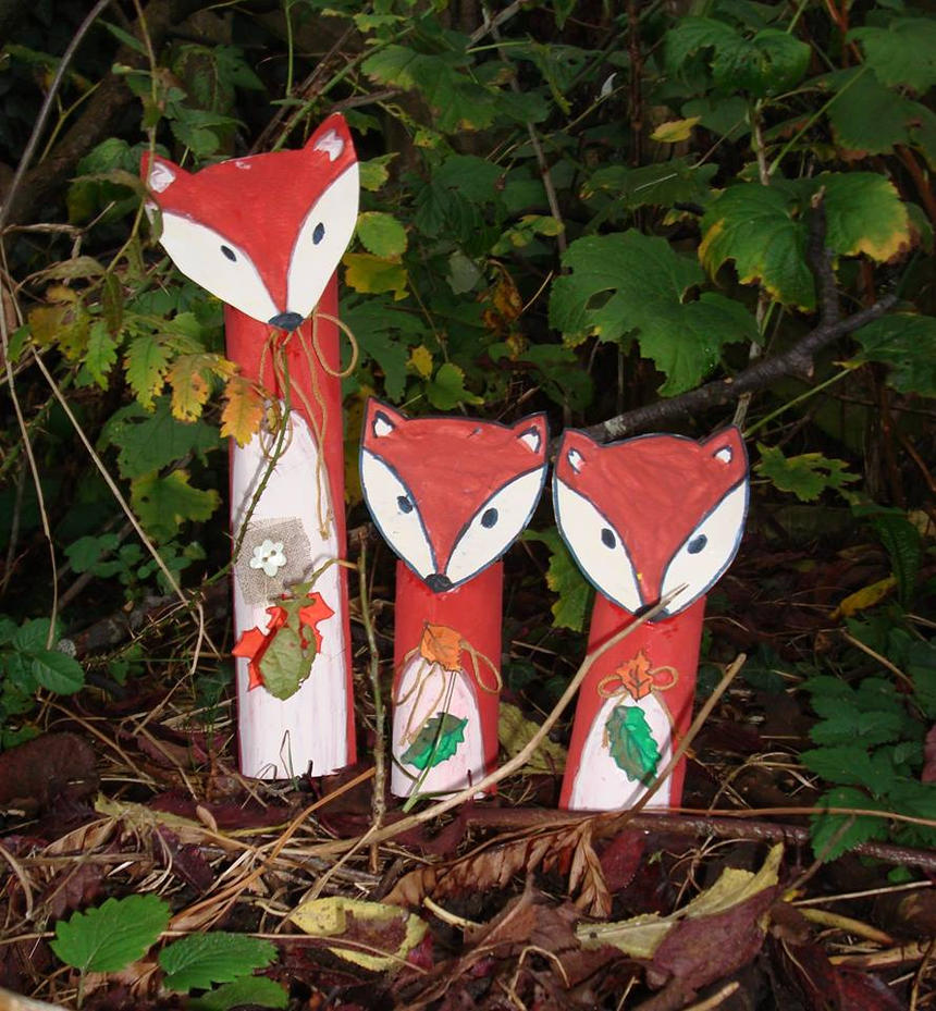 Foxes by Vetriz