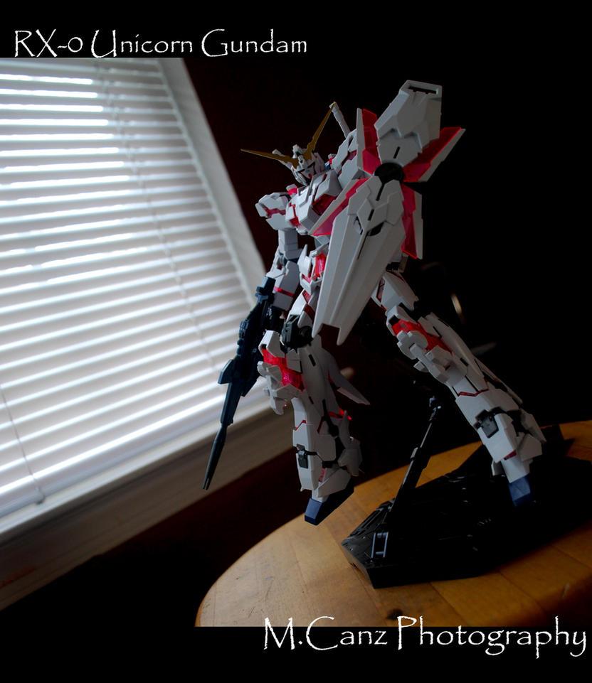 RX-0 Unicorn Gundam by Treize26