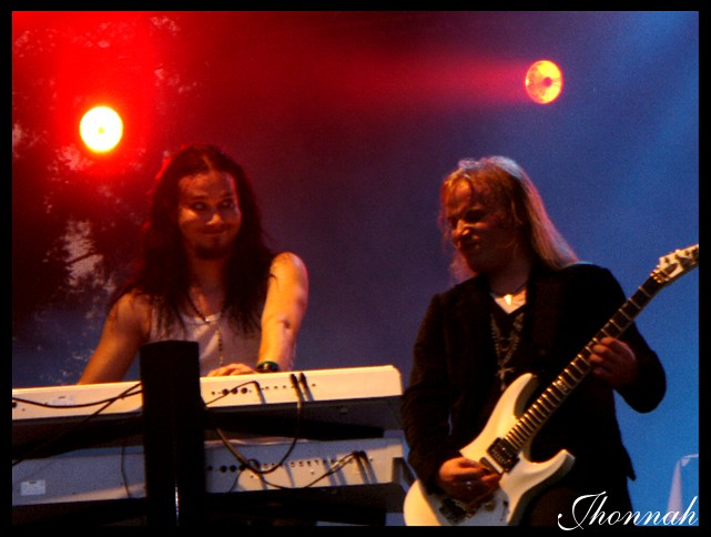 http://fc08.deviantart.com/fs22/f/2007/320/7/3/Nightwish__Tuomas_and_Emppu_I_by_jhonnah.jpg