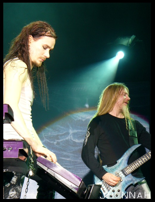 http://fc04.deviantart.com/fs29/f/2008/048/3/6/Nightwish_XXI_by_jhonnah.jpg