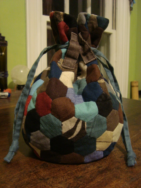 The making of a dice bag, a how-to! | I Like String