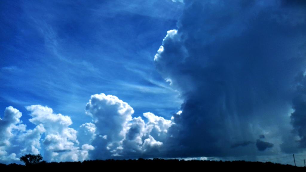 blue sky by jJeniem2001