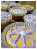 Cup Cakes by RainbowsandDaydreams
