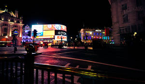 Piccadilly Circus by dejz0r