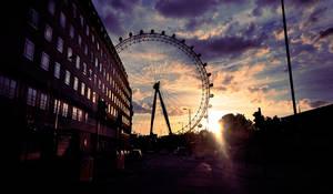 London eye at dusk by dejz0r