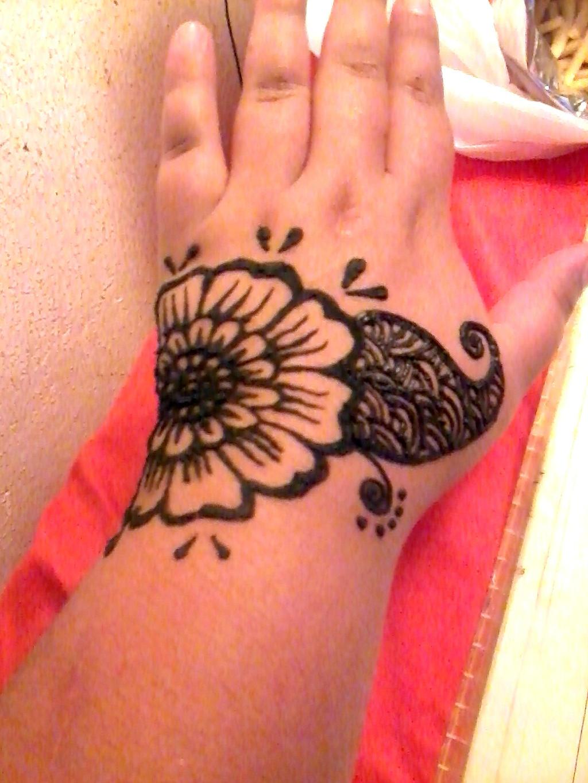 Best 25 Simple henna designs ideas on Pinterest  Simple