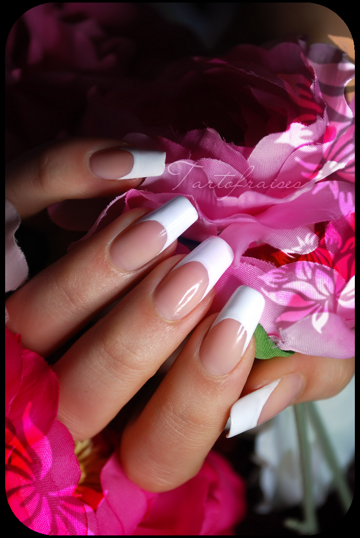 french manicure (natural nails, only nail polish) by Tartofraises on ...